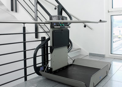 curved-inclined-platform-wheelchair-lifts-northstar-lifts