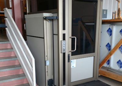 enclosed-platform-lift-northstar-lifts