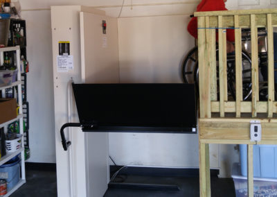 residential-vertical-platform-wheelchair-lifts-northstar-lifts